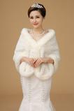 Matrimonio scialle freddo pelliccia Outdoor romantico