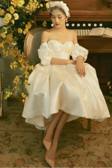Vestito da nozze Swing A-line Maniche Pouf Vita naturale Allacciare