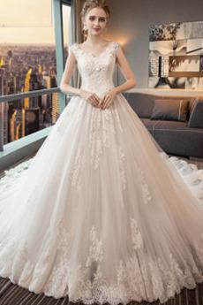 Vestito da nozze Lussuoso A-line Treno reale Senza maniche Allacciare