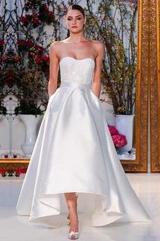 Vestito da sposa Asimmetrico Corpo a clessidra Spazzare treno